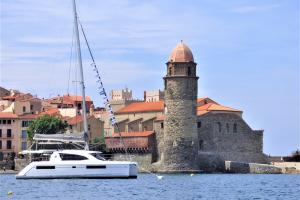 bateau-leopard-navigue-collioure