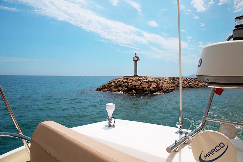 port-saint-cyprien-yacht-ferretti
